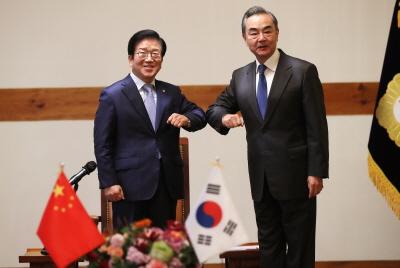 [ 국회의장]      왕이 중국 국무위원 겸 외교부장 예방