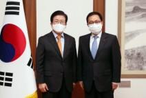 [국회의장]     유영민 신임 대통령 비서실장 예방 받아